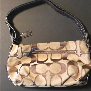 Coach hand bag-medium